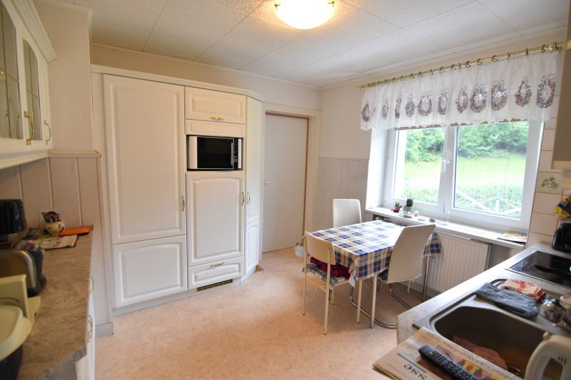 expos zweifamiliendoppelhaush lfte in gro olbersdorf. Black Bedroom Furniture Sets. Home Design Ideas